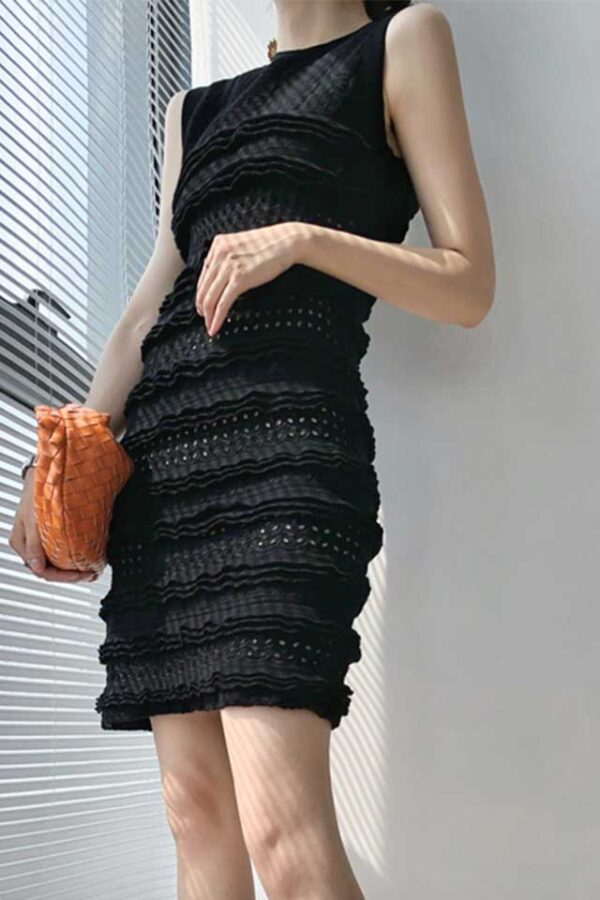 Váy đầm len gile xếp bèo Black 1