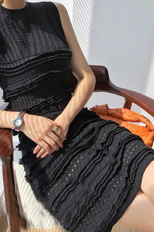 Váy đầm len gile xếp bèo Black 2