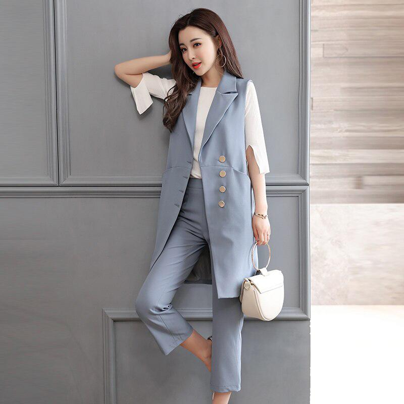 Kiểu gile blazer dáng dài với nhiều kiểu mix match để cô nàng trông cá tính hơn